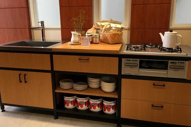 オーダーキッチンを造る (1)